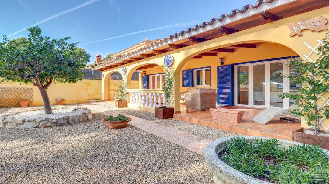 Mallorquinische Villa mit Pool in Costa de la Calma (4)
