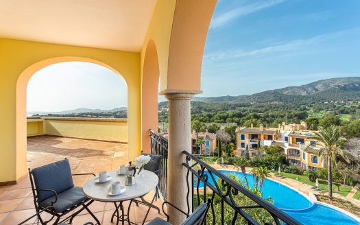 Penthouse mit Panoramablick in exklusiver Anlage in Bendinat, Mallorca (9)