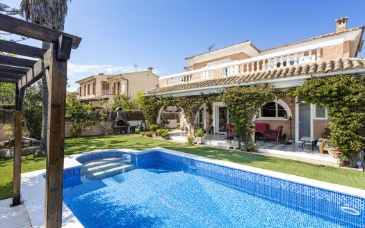 Mediterrane Villa mit Pool in El Toro, Mallorca (8)